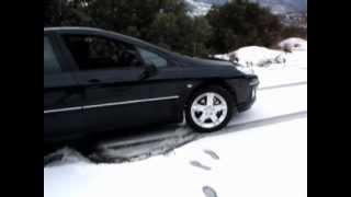 getlinkyoutube.com-Peugeot 407 en nieve (ruedas normales)
