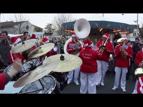 La Banda' loup de Bois Plage en ré Marché de Noël de Courçon 3