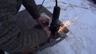 getlinkyoutube.com-59. Как вырезать круглое отверстие в металле болгаркой. Циркульное приспособление