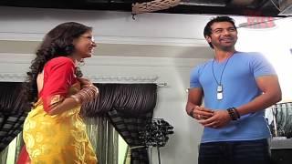 getlinkyoutube.com-Shabbir and Sriti aka Abhi and Pragya's offscreen glimpses from the sets of Kumkum Bhagya