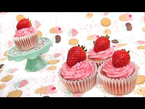 Cupcakes corazón cubiertos de crema de mantequilla / Heart Cupcakes