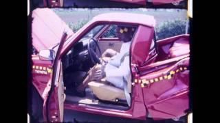 getlinkyoutube.com-Toyota Hilux Pickup   1982   Rear Crash Test   NHTSA   CrashNet1