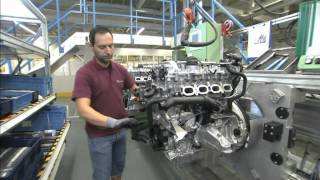 getlinkyoutube.com-Mercedes-Benz plant Unterturkheim, engine mounting, new four-cylinder engine