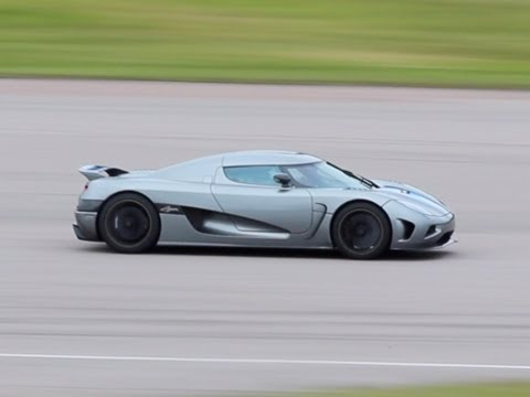 Koenigsegg Agera on the Track - Loud accelerations and backfires!