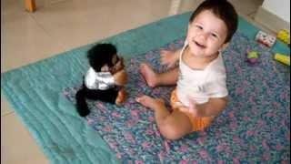 getlinkyoutube.com-Baby vs monkey dance off.AVI