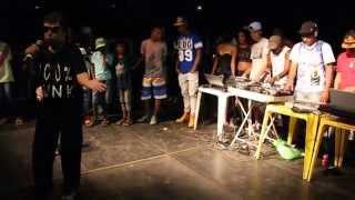 getlinkyoutube.com-MC Zinho no TOP FUNK - Produção de Alex Rossi AR7