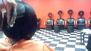 getlinkyoutube.com-HAIR CUT DEMO ON QUCIK WEAVE BOB