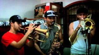 getlinkyoutube.com-PASS THE PEAS -Trio Metais