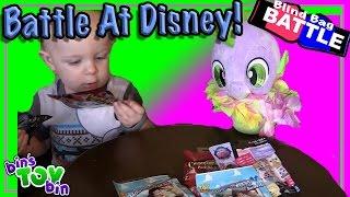 getlinkyoutube.com-Blind Bag Battle #18 - Battle at Walt Disney World! by Bins Toy Bin