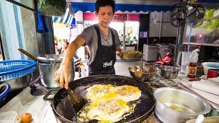Street-Food-in-Bangkok-Awesome-PAD-THAI-and-Instant-Noodles-on-Petchaburi-Soi-5 width=
