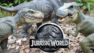 getlinkyoutube.com-Papo T-rex and Brachiosaurus comparison - Jurassic World realistic dinosaur toys