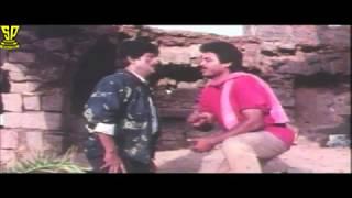 getlinkyoutube.com-venkatesh & Mohan babu fight-Coolie No1