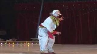 Clown Petro numéro Orchestre de Salle