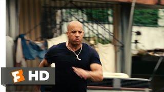 getlinkyoutube.com-Fast Five (3/10) Movie CLIP - Favela Chase (2011) HD