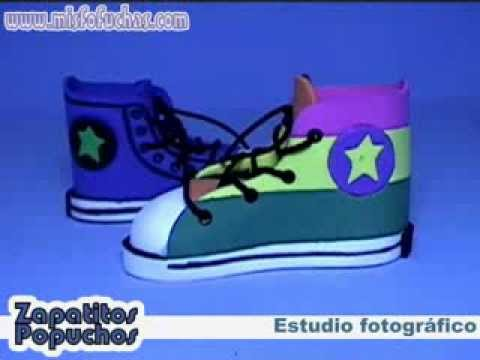 Zapatitos en foamy para baby shower bautizo recordatorio Converse all star popuchos