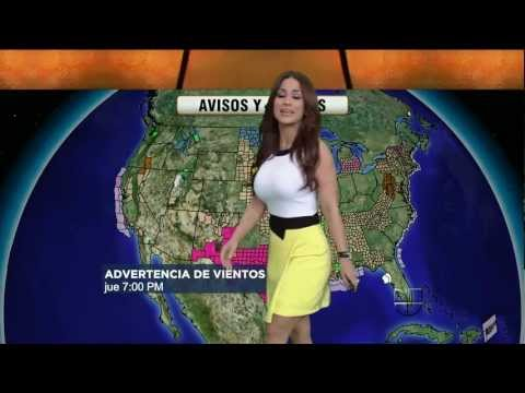 Jackie Guerrido 2012/02/23 Primer Impacto HD; Tight white top
