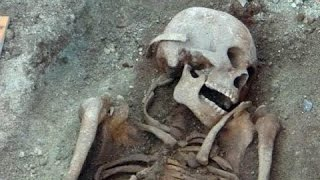 getlinkyoutube.com-Найден скелет 18-метрового человека!