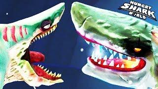 getlinkyoutube.com-Hungry Shark World - Zombie Shark vs Atomic Shark