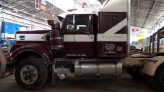 getlinkyoutube.com-National Road Transport Museum Hall of Fame: Classic Restos - Trucks Series 2