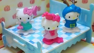 getlinkyoutube.com-Hello Kitty Jumping on the Bed | Nursery Rhyme Song | music video children