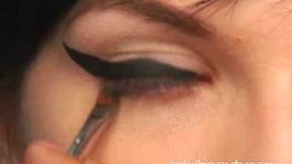 getlinkyoutube.com-Recreate Amy Winehouse's Signature Makeup Look