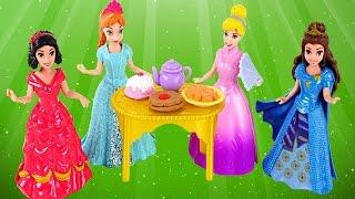 getlinkyoutube.com-Magiclip Cinderella Castle Dress Swap Disney Princess Frozen Anna Ariel Mini Barbie Dolls Play Doh