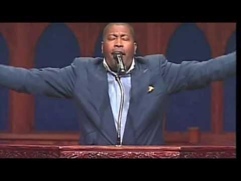 PASTOR E. DEWEY SMITH JR. SINGS IN WORSHIP!
