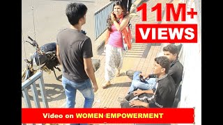 getlinkyoutube.com-The Boldest Girl at Bus Stop, I have ever seen!