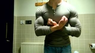 getlinkyoutube.com-Tight Top Muscle Flex 2
