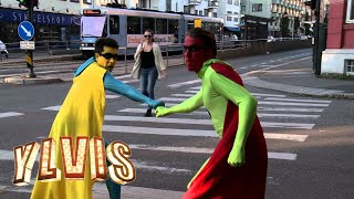 getlinkyoutube.com-Ylvis - Superboys i trafikken