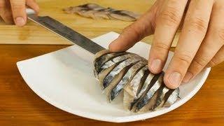 getlinkyoutube.com-Mackerel Sashimi Made From Whole Fish