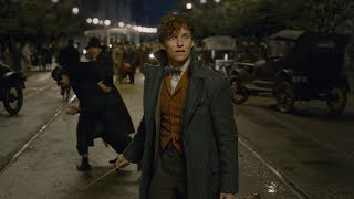 Fantastic Beasts: The Crimes of Grindelwald - Official Comic-Con Trailer width=