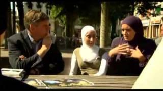 getlinkyoutube.com-F.Dewinter in discussie met enkele moslima's