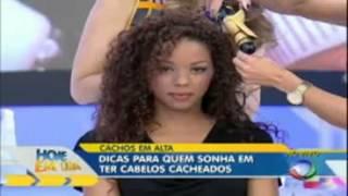 Mulher tem cabelo queimado ao vivo no Hoje em Dia na Record