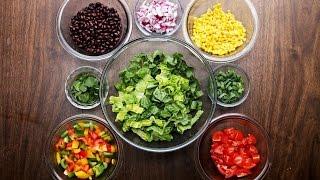 Vitaminska salata sa avokado dresingom