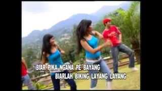 getlinkyoutube.com-Yopie Latul - Poco-Poco [Official Music Video]