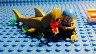 getlinkyoutube.com-The LEGO Shark Attack