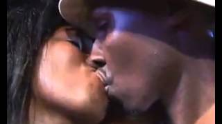 KINYARWANDA KISS@UG-RWANDA NIGHT CLUB VENOM 2013@PENG PENG PENG VIBES