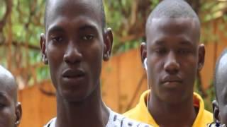 Jeunesse Volontariat Citoyenneté   remis de rapport d´activites au parrain Yeah Samake