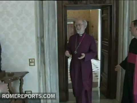 Benedict XVI and Rowan Williams pray together over differences