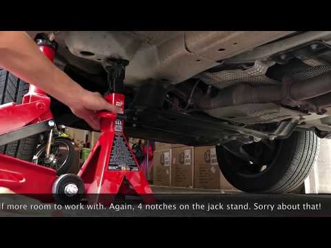 2008 Land Rover Freelander LR2 oil change how to for beginners (full list of tools included)
