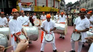 getlinkyoutube.com-HD: Vimlabai Garware Dhol Tasha Pathak (Twashta Ka