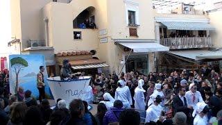 Carnevale a Capri 2015, la sfilata dei Carri allegorici in piazzetta