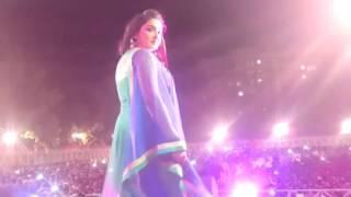 getlinkyoutube.com-Hot Amrapali Dube With Nirahua Stage Show