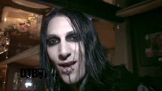 getlinkyoutube.com-Motionless In White - BUS INVADERS Ep. 863