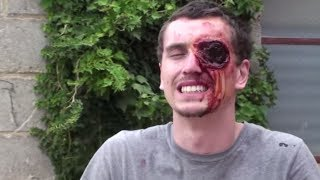 getlinkyoutube.com-Missing Eye SCARE PRANK
