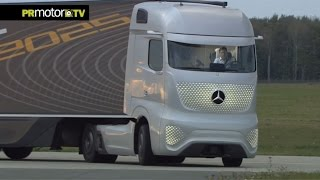 getlinkyoutube.com-Conoces el camión del futuro de Mercedes-Benz? Car News TV en PRMotor TV Channel