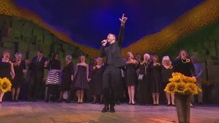 getlinkyoutube.com-Gary Barlow attends opening gala for his new musical - The Girls
