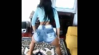 getlinkyoutube.com-menina q dança fank pra caralho