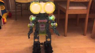 getlinkyoutube.com-Meccano Meccanoid Robot : Initial Review